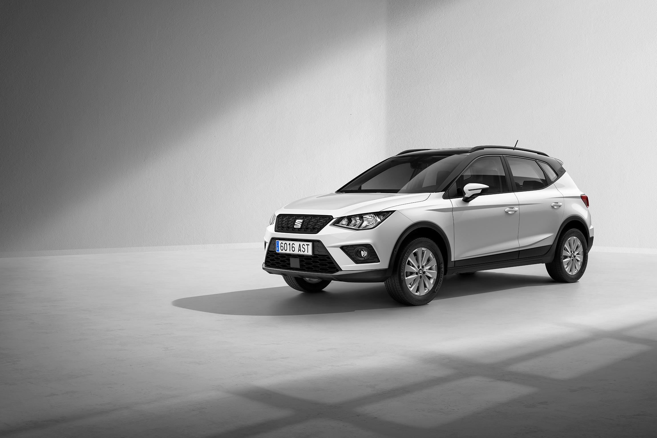 VWFS-Seat_Arona_Style_Edition-bicolor-stage.jpg